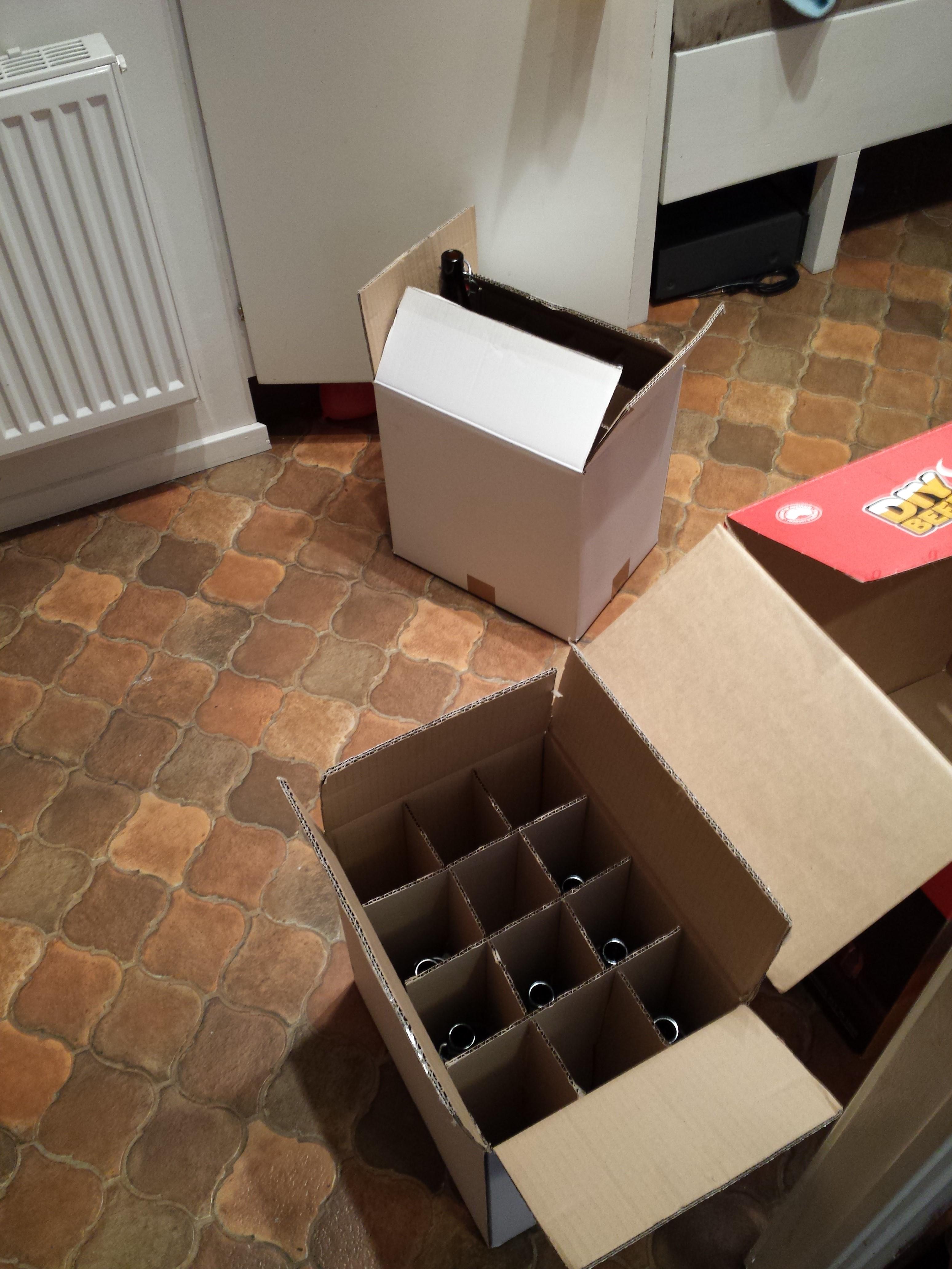 Kartonger för att förvara alla flaskor